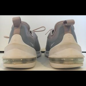 Nike Shoes - NIKE AIR MAX Sz 7.5 Athletic/Casual Sneaker